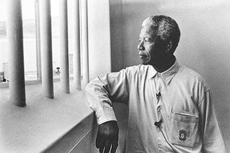 g150341_u43943_nelson_mandela_return_to_cell